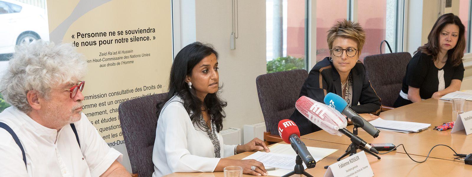Menschenrechtskommission, Zentrum für Chancengleichheit und Ombudsman beklagten den Umgang mit behinderten Menschen in Heimen.