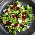 Carne e peixe têm primazia no prato, mas a maioria já come uma refeição vegetal por semana