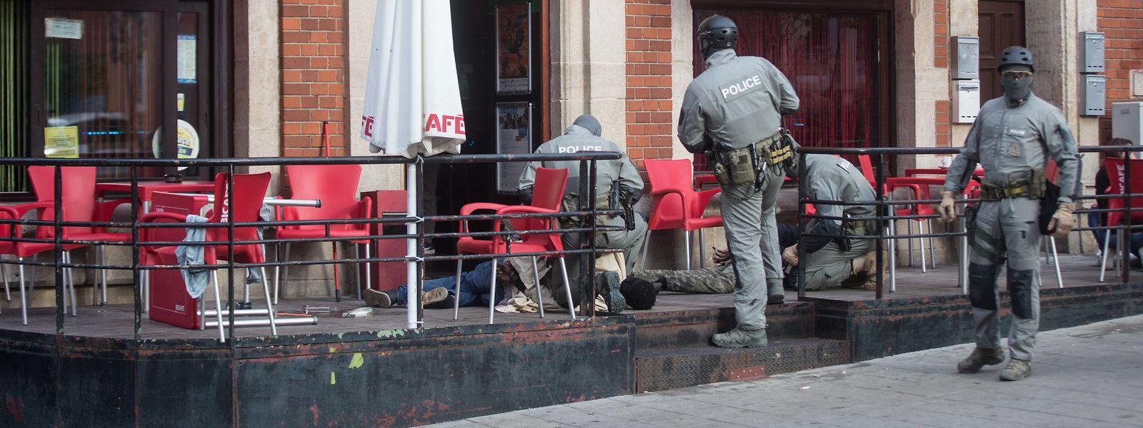 Am 16. Oktober 2018 schlugen Spezialeinheiten und Drogenfahnder in der Rue de la Gare in Esch/Alzette zu.