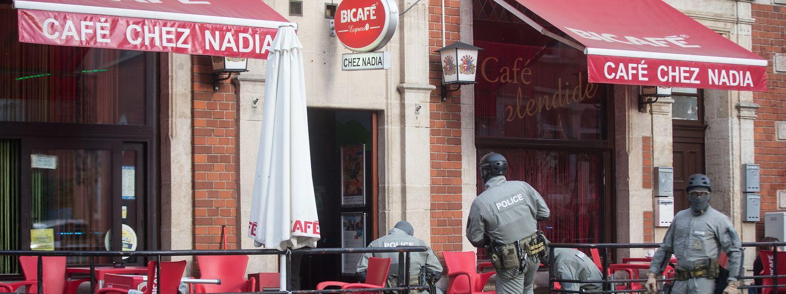 Auch nach der Razzia im Oktober 2018 ging der Drogenhandel im und um das Café Nadia weiter. Viermal ist die Polizei in den vergangenen Monaten vor Ort eingeschritten.