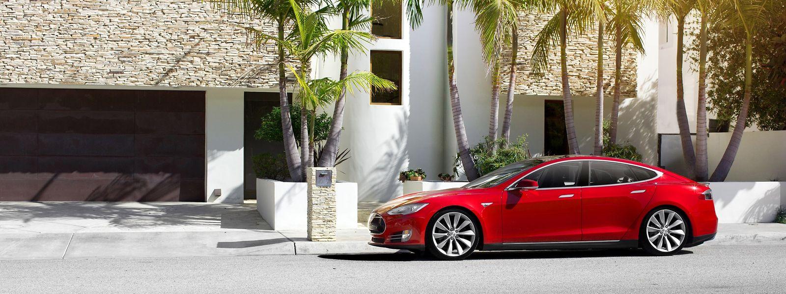 Mit einer vollen Ladung soll ein Tesla Model S im Schnitt 500 Kilometer fahren können.