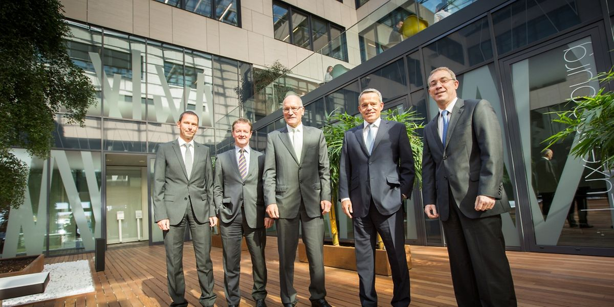 De gauche à droite: MM. Peyer, Biewer, Bour, Hoffmann (président du comité de direction) et Barbier ont présenté des chiffres positifs.