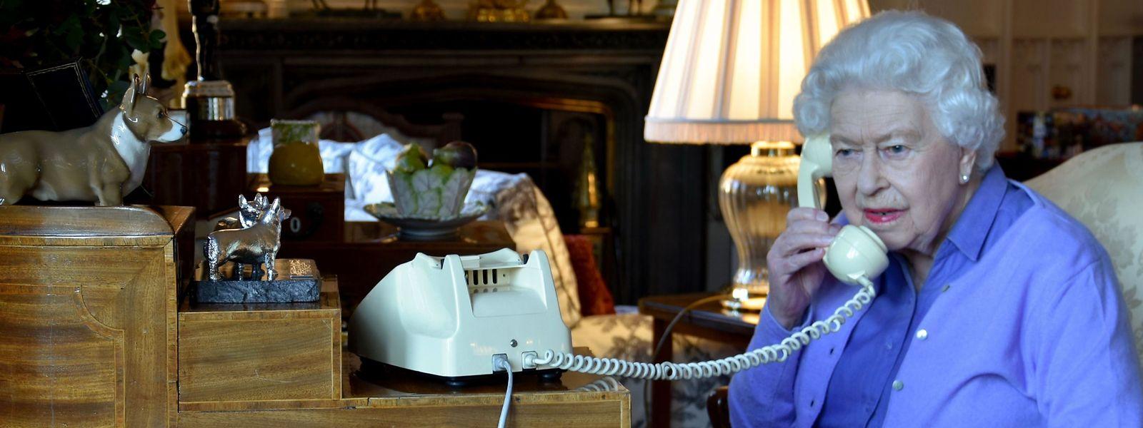Mit seiner Mutter darf der Prince of Wales derzeit nur auf Distanz kommunizieren.