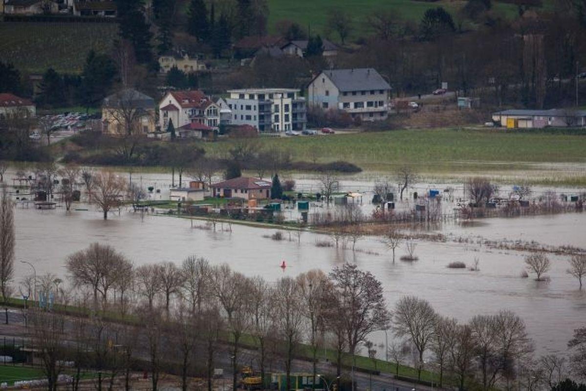 Teile Luxemburg, wie hier bei Remich, versinken im Wasser.