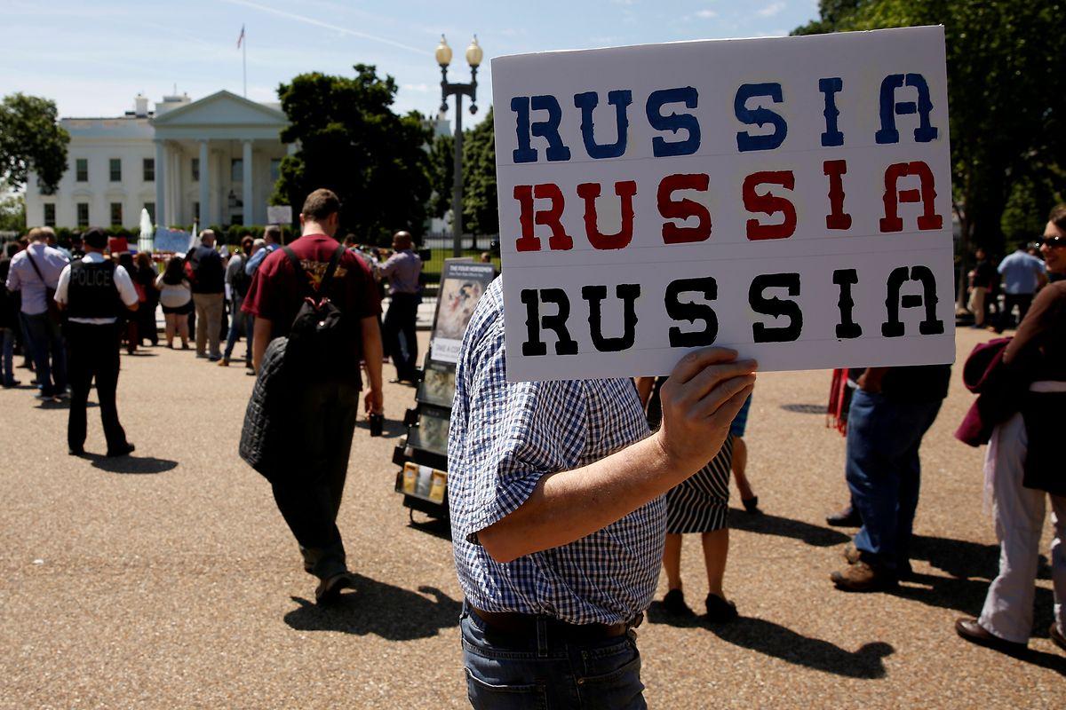 Welche Verbindungen hat Trump nach Russland? Das wüssten nicht nur die Demonstranten vor dem Weißen Haus gerne.
