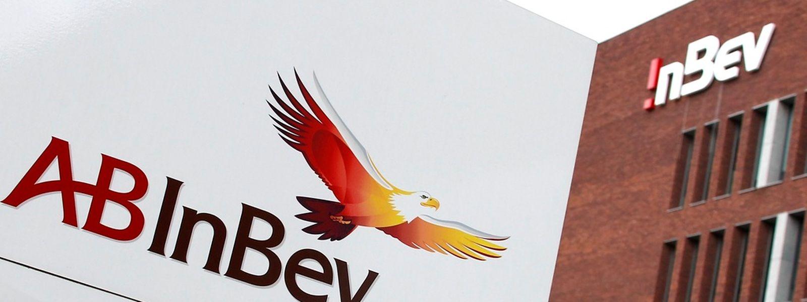 Das Unternehmen erhöhte die Dividende für das vergangene Jahr um 46 Prozent auf 3 Euro je Aktie. Zudem will AB Inbev eigene Aktien für eine Milliarde Dollar zurückkaufen.