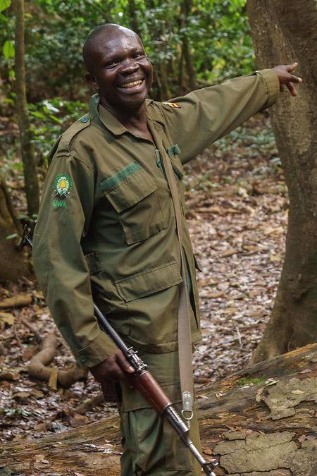 Ranger Robert Adaruku arbeitet seit 15 Jahren im Nationalpark.