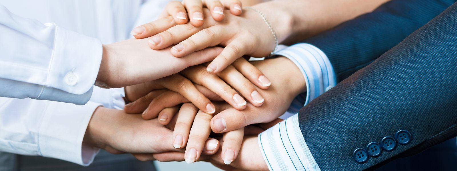 Auch die Kollegen am Arbeitsplatz können für Krebspatienten eine wichtige Stütze sein.