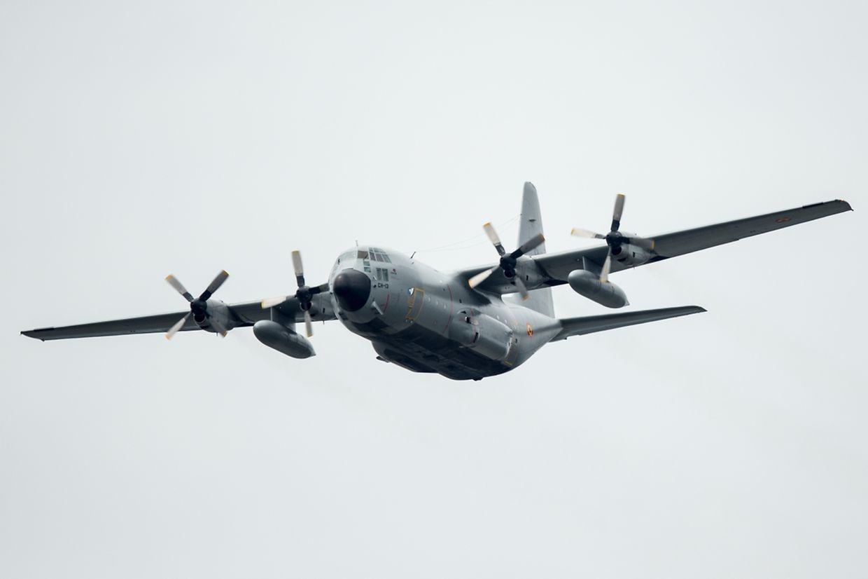 Die C-130 der belgischen Luftwaffe am Mittwoch über der Avenue de la Liberté.