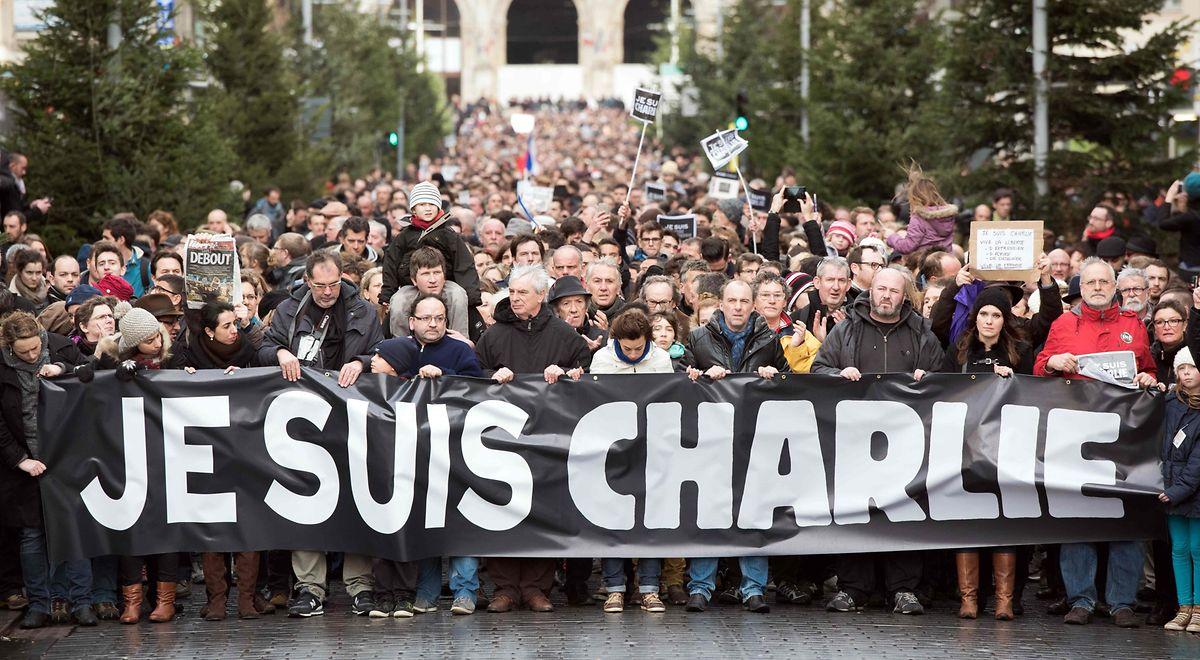 """Der Slogan """"Je suis Charlie"""" wurde zum Schlagwort für das Zusammenstehen nach Terrorangriffen."""