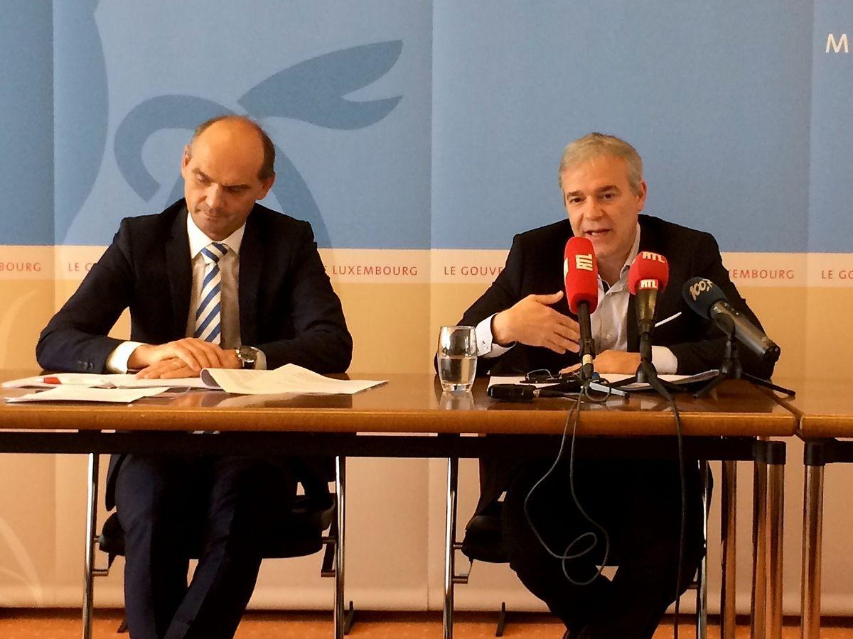 Innenminister Dan Kersch (r.) gab am Freitag erste Details zum geplanten Kirchenfonds bekannt.