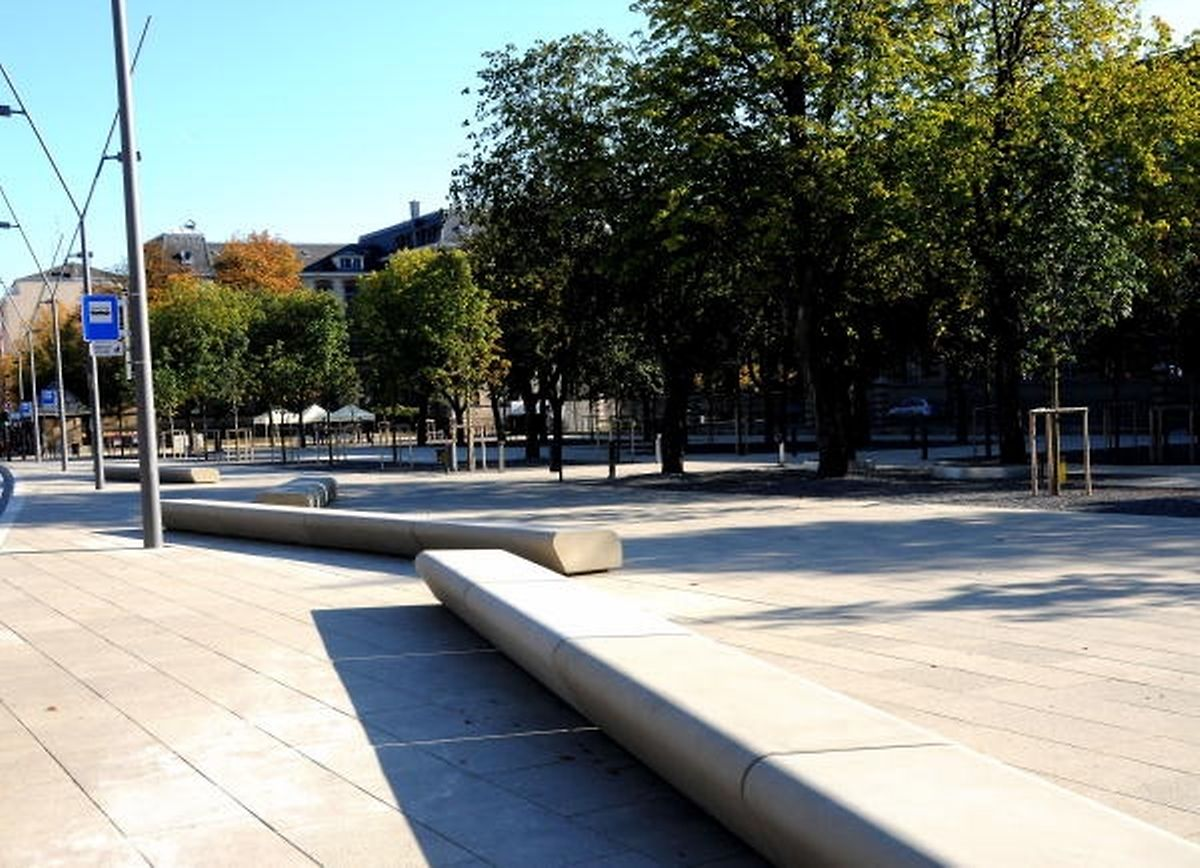 Die Place Auguste Laurent erscheint den Stadtverantwortlichen zu kahl.
