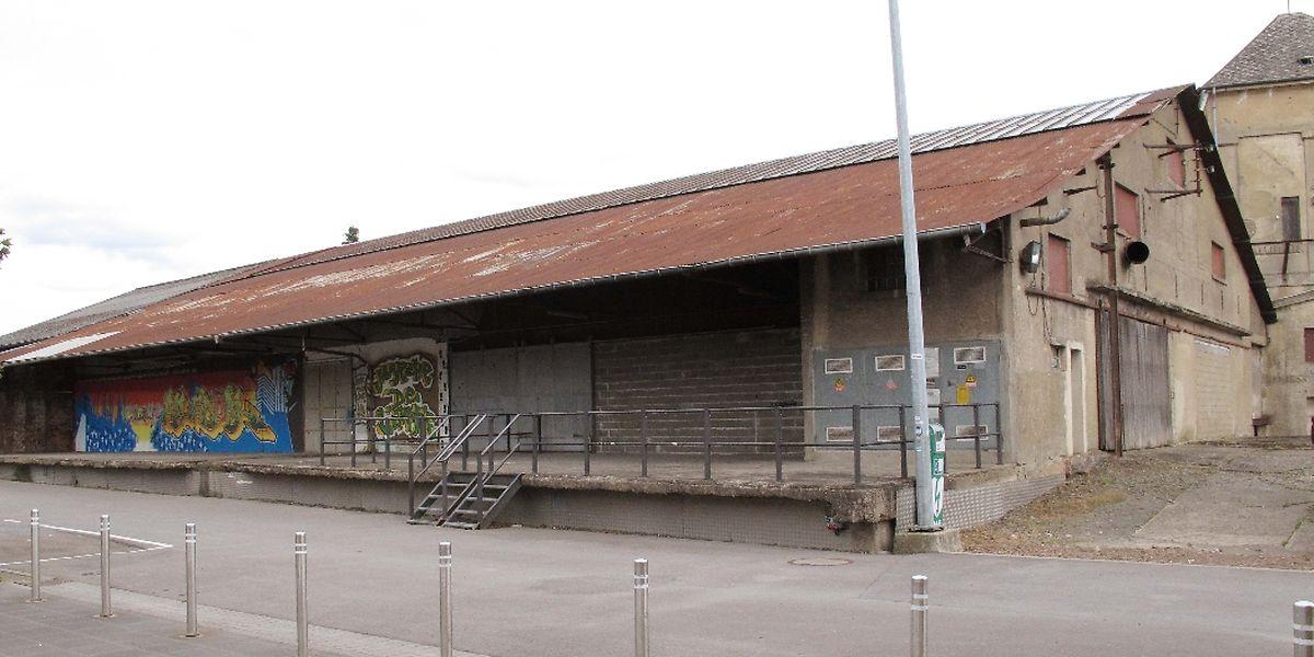 """In der Halle schräg gegenüber dem Mehrzweckzentrum """"Al Seeërei"""" werden fünf Kinosäle eingerichtet."""