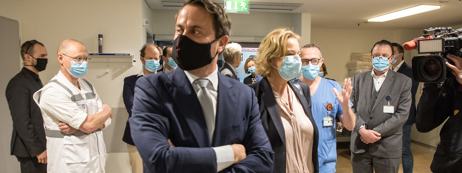 Einseitige Regierungskommunikation von Xavier Bettel und Paulette Lenert, die das Hopital Kirchberg besuchen.