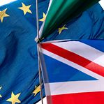 """Comissão Europeia anuncia que UE e Reino Unido vão """"intensificar discussões"""" sobre o 'Brexit'"""