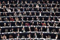 Mitglieder des Europäischen Parlaments bei einer Plenarsitzung: Knapp vor den Europawahlen steht die finale Abstimmung über das Verhandlungsergebnis zur Urheberrechtsreform an.