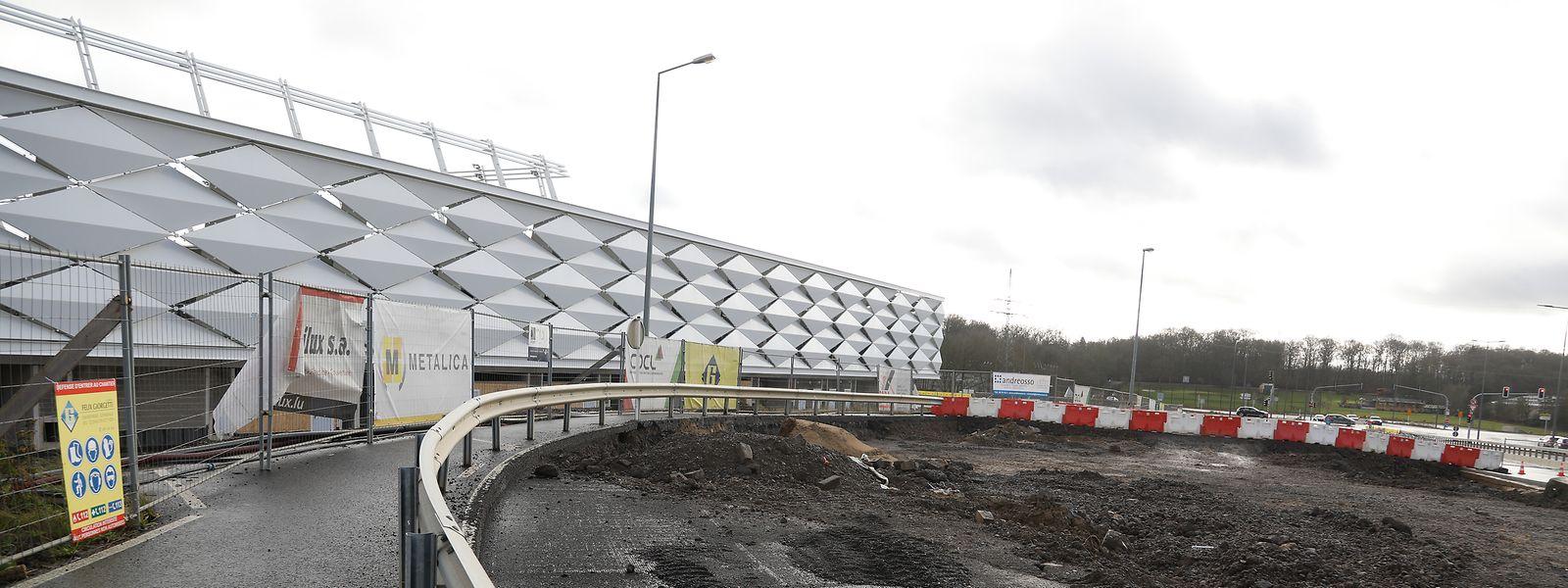 La construction du parking à plusieurs étages aux abords du nouveau stade «ne sera pas achevée avant 2022»