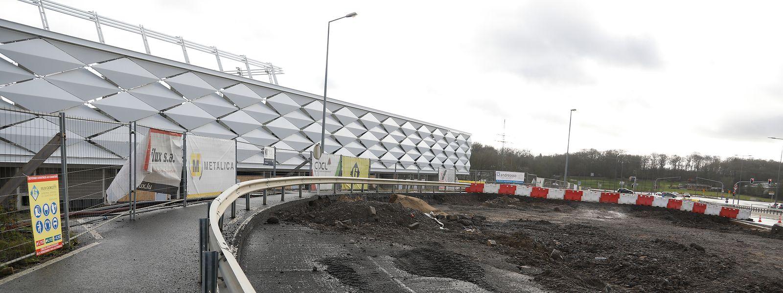 La question est maintenant de savoir si le nouveau stade national de football et de rugby à Kockelscheuer sera ou non opérationnel en 2020.