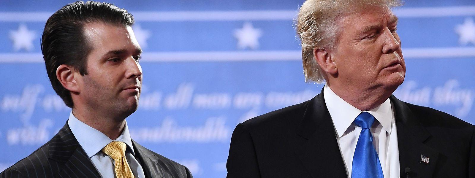 Vater und Sohn: Die US-Demokraten verlangen Informationen über ein Treffen von Donald Trump Junior mit einer russischen Anwältin während des Wahlkampfes im Juni 2016.