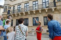 Lokales, Touristen, Tourismus, kleine Gruppe für Visite, Palast ,sie waren alle einverstanden für das Foto, Luxemburgische (Vakanz Doheem) und deutschsprachige Toruisten Foto: Anouk Antony/Luxemburger Wort
