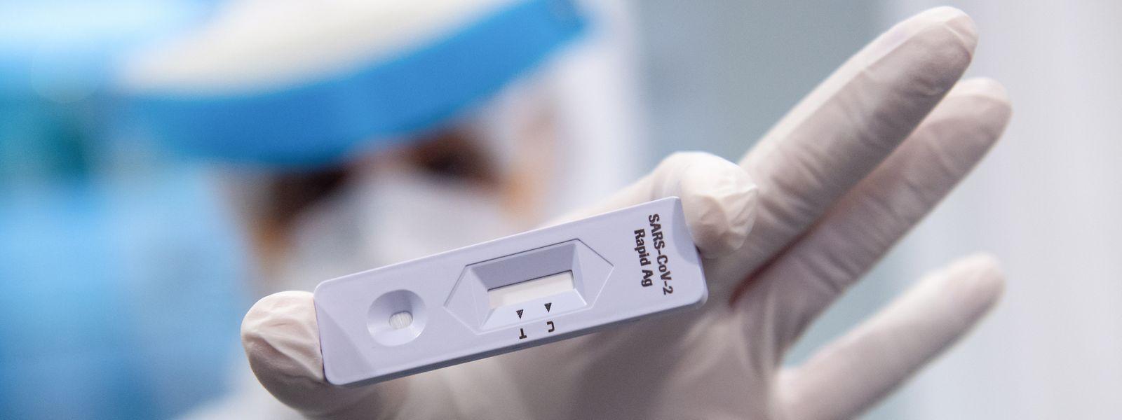 Bien que ne constituant pas «une garantie absolue» contre la propagation de la pandémie, la mise à disposition de tests rapides dans les entreprises doit être une manière «de permettre la sortie de crise»