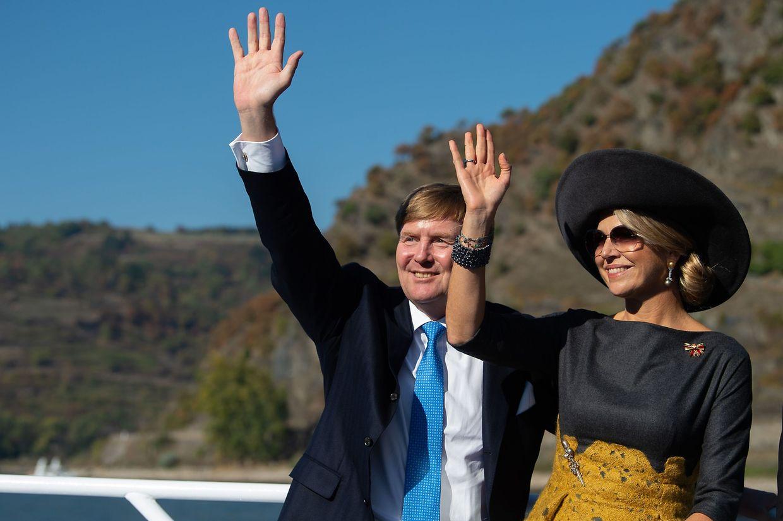 Im Oktober 2018 besuchten Königin Maxima und König Willem-Alexander Rheinland-Pfalz - hier die beiden auf einem Boot in Oberwesel am Rhein.