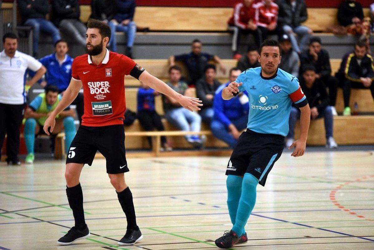A l'aller, les deux capitaines, Davide Chalmandrier (FCD03, en rouge) et Bruno Timoteo (US Esch), s'étaient quittés dos à dos (3-3)