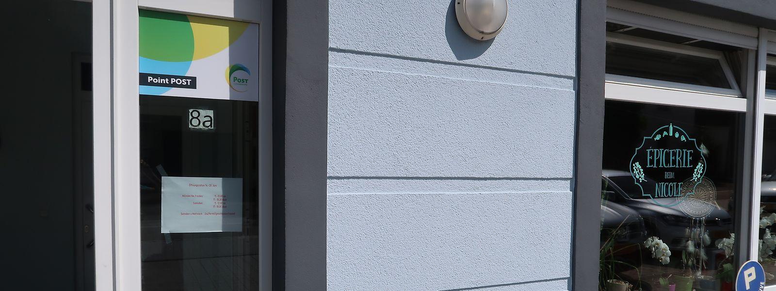 Die Einwohner aus Bauschleiden haben nun die Wahl, ihre Briefe und Pakete in der lokalen Épicerie beim Nicole oder aber in den Points Post in Redingen (22 Kilometer) beziehungsweise Wiltz (15 Kilometer) abzugeben.