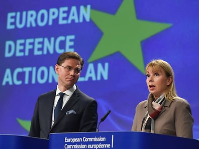 European Union Commissioner for Jobs, Growth, Investment and Competitiveness Jyrki Katainen and EU Commissioner of Internal Market, Industry, Entrepreneurship and SMEs Elzbieta Bienkowska