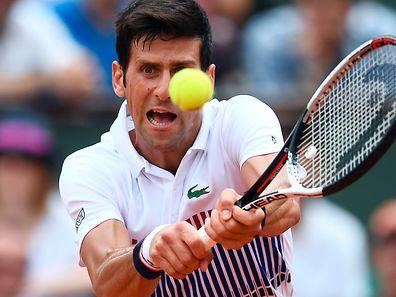 Novak Djokovic qualifizierte sich in drei Sätzen für die zweite Runde.