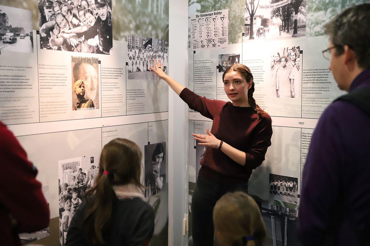 Saskia Frank durante a visita guiada na ISL