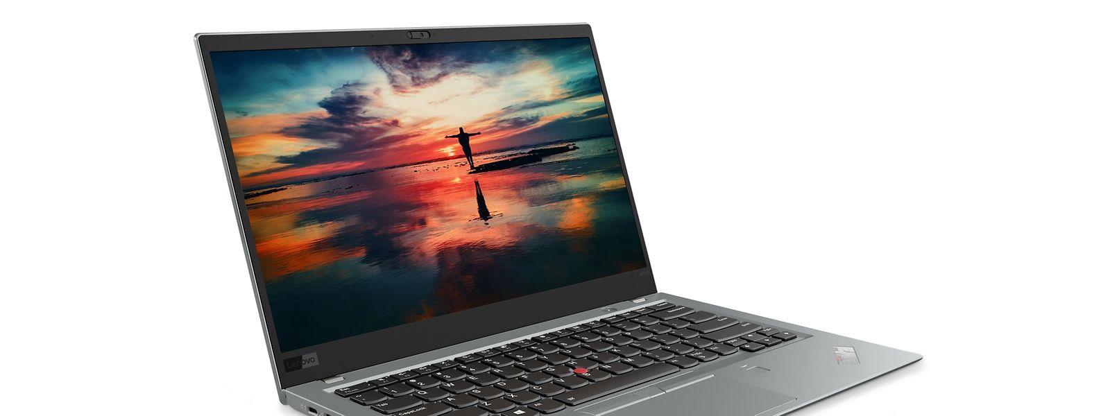 Lenovos Thinkpad X1 Carbon hat ein widerstandsfähiges Gehäuse aus Kohlefasern.