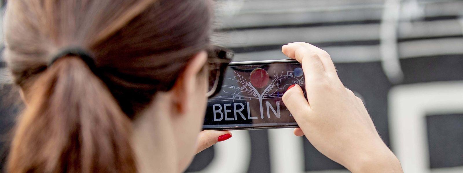 Ob die Smartphone-Kamera etwas taugt, findet man entweder draußen auf Foto-Safari heraus - oder im Testlabor.