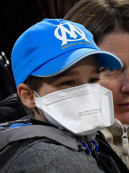 Masken sollen vor einer Ansteckung schützen - ihre Wirkung ist aber umstritten.