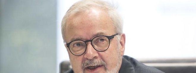 Es kam etwas überraschend, aber Werner Hoyer bleibt bei der EIB.