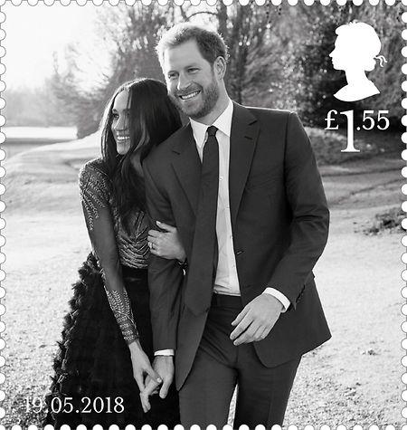 Ein von der Royal Mail zur Verfügung gestelltes Foto zeigt eine Sonderbriefmarke, mit dem offiziellen Verlobungsfoto von Prinz Harry und Meghan Markle, die anlässlich der Royalen Hochzeit am 19. Mai 2018 herausgegeben wird. Die Fotos wurden vom  Fotografen Alexi Lubomirski im Dezember 2017 im Frogmore House gemacht.