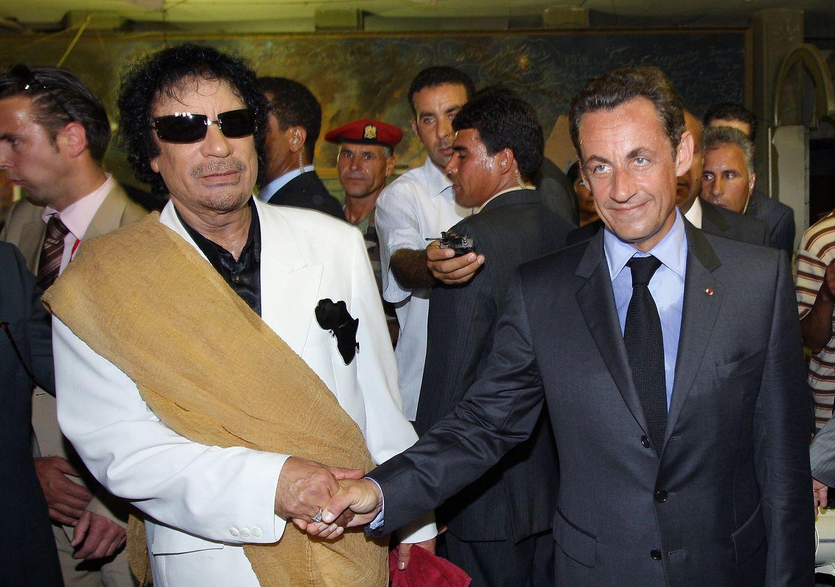 Les écoutes qui ont mené au procès du président ont été décidées dans le cadre de l'enquête visant ses liens avec le dictateur libyen.