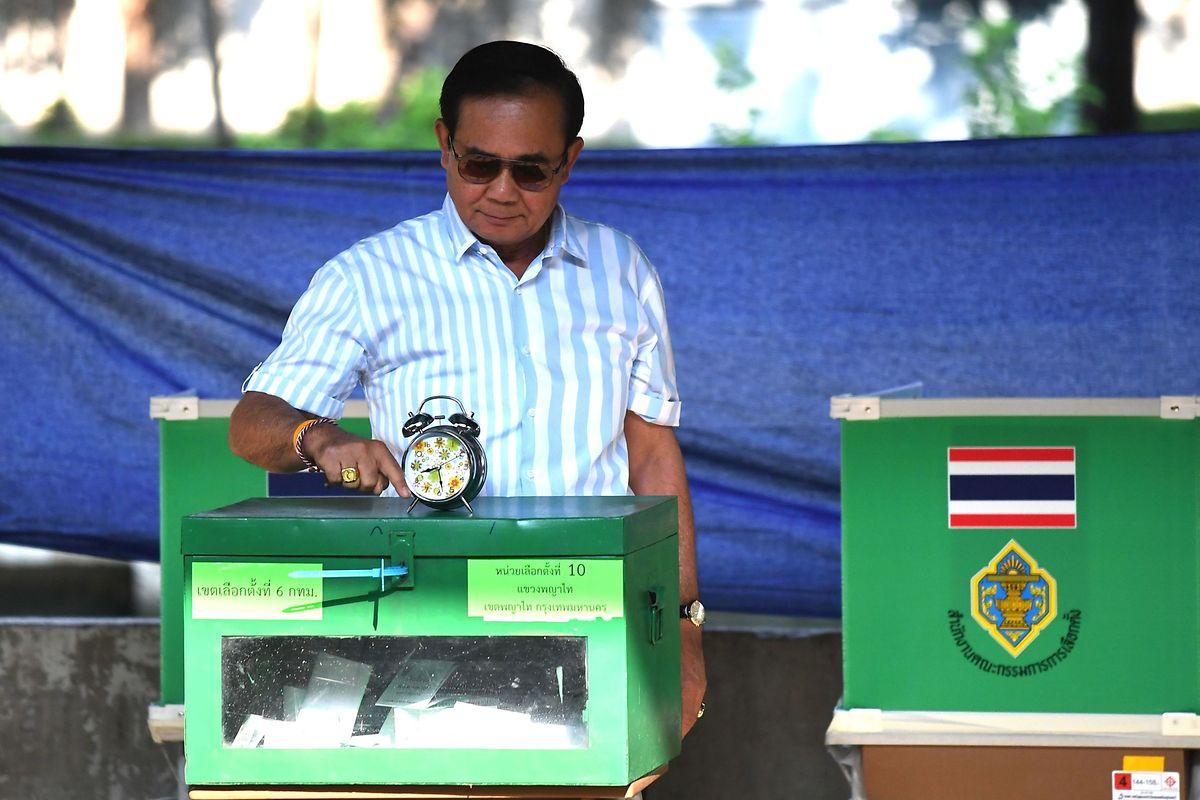 Nach einem gelungenen Putsch im Jahre 2014 könnte der amtierende Premierminister Prayut Chan-o-cha auch weiterhin im Amt bleiben.