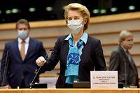 ARCHIV - 13.05.2020, Belgien, Brüssel: EU-Kommissionspräsidentin Ursula von der Leyen kommt ins Europaparlament. EU-Kommissionschefin Ursula von der Leyen hat im Auftrag der EU-Staats- und Regierungschefs ein Wiederaufbauprogramm entworfen, das in den nächsten siebenjährigen Haushaltsrahmen der Europäischen Union eingebettet werden soll. Für den Nachmittag ist eine Präsentation des Plans bei einer Sondersitzung des Europaparlaments vorgesehen. Foto: Etienne Ansotte/European Commission/dpa - ACHTUNG: Nur zur redaktionellen Verwendung und nur mit vollständiger Nennung des vorstehenden Credits +++ dpa-Bildfunk +++