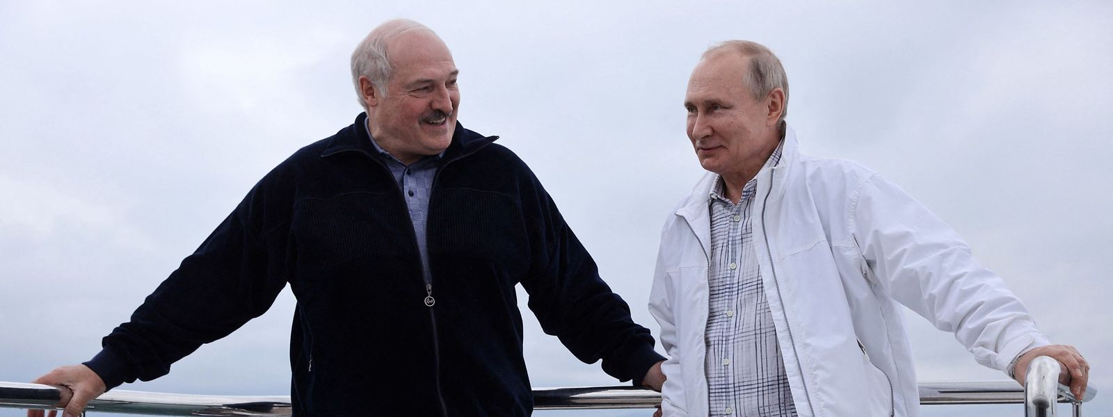 Zwei Brüder im Geiste: Am Wochenende schipperten Alexander Lukaschenko (l.) und Wladimir Putin auf dem Schwarzen Meer.
