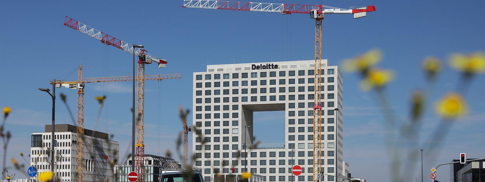 L'originalité du nouveau bâtiment signe l'identité du nouveau quartier de la Cloche d'Or.