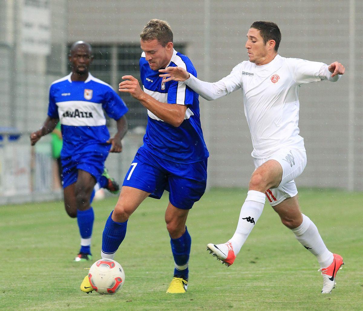 Aurélien Joachim (l.) erzielte gegen Hapoel Tel Aviv im Hinspiel das einzige Düdelinger Tor.