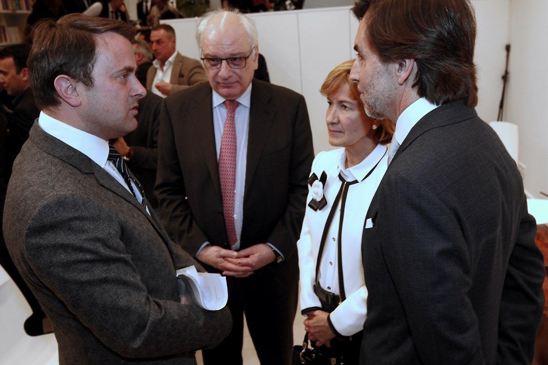 Da esquerda para a direita: o primeiro-ministro e ministro da Cultura Xavier Bettel, o secretário de Estado da Cultura, Guy Arendt, a secretária de Estado dos Negócios Estrangeiros, Teresa Ribeiro, e o embaixador de Portugal no Luxemburgo, Carlos Pereira Marques