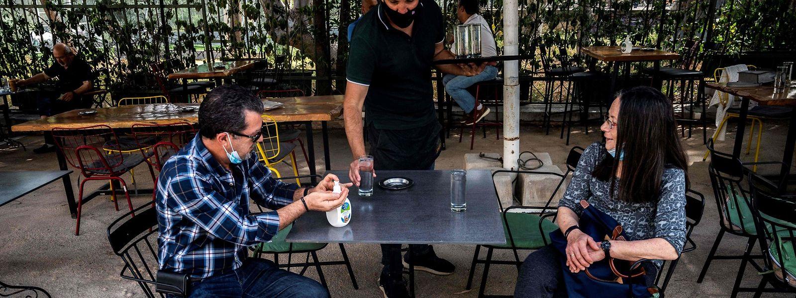 Die Lokale dürfen nur im Freien bewirten, maximal sechs Gäste pro Tisch sind erlaubt.