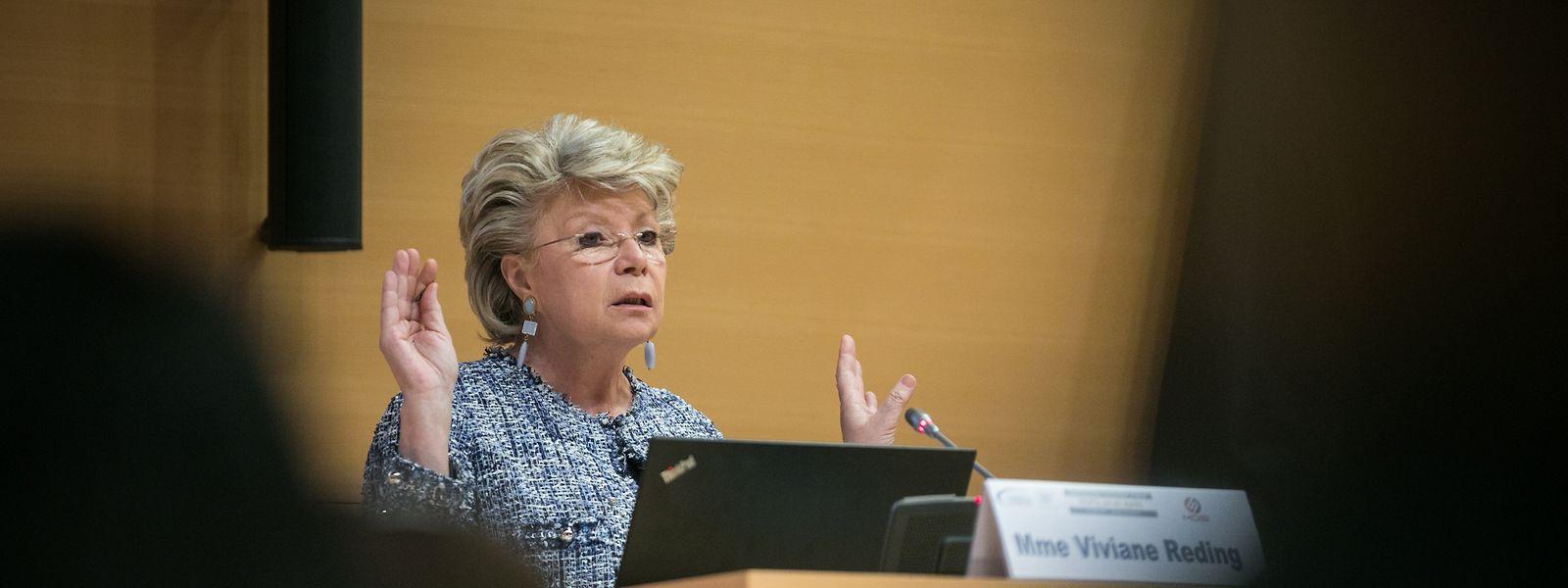 Selon Viviane Reding, le RGPD cherche à harmoniser le cadre légal de la protection des données en Europe.
