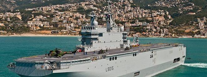 Die Schiffe der Mistral-Klasse können auch als Kommandoschiffe genutzt werden. An Bord befindet sich ein 850 m² großes Kommandozentrum für bis zu 150 Personen.