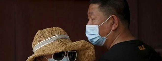Pas moins de 6.500 personnes se trouvent actuellement en quarantaine, en centre médical ou chez elles, selon les autorités sud-coréennes.