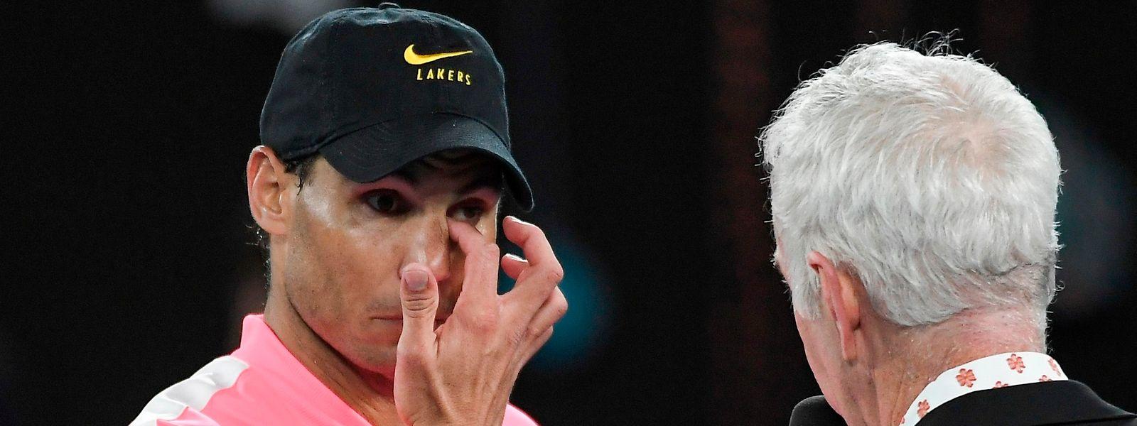 C'est coiffé d'une casquette noire des Lakers, que Rafael Nadal a répondu sur le court aux questions de John McEnroe