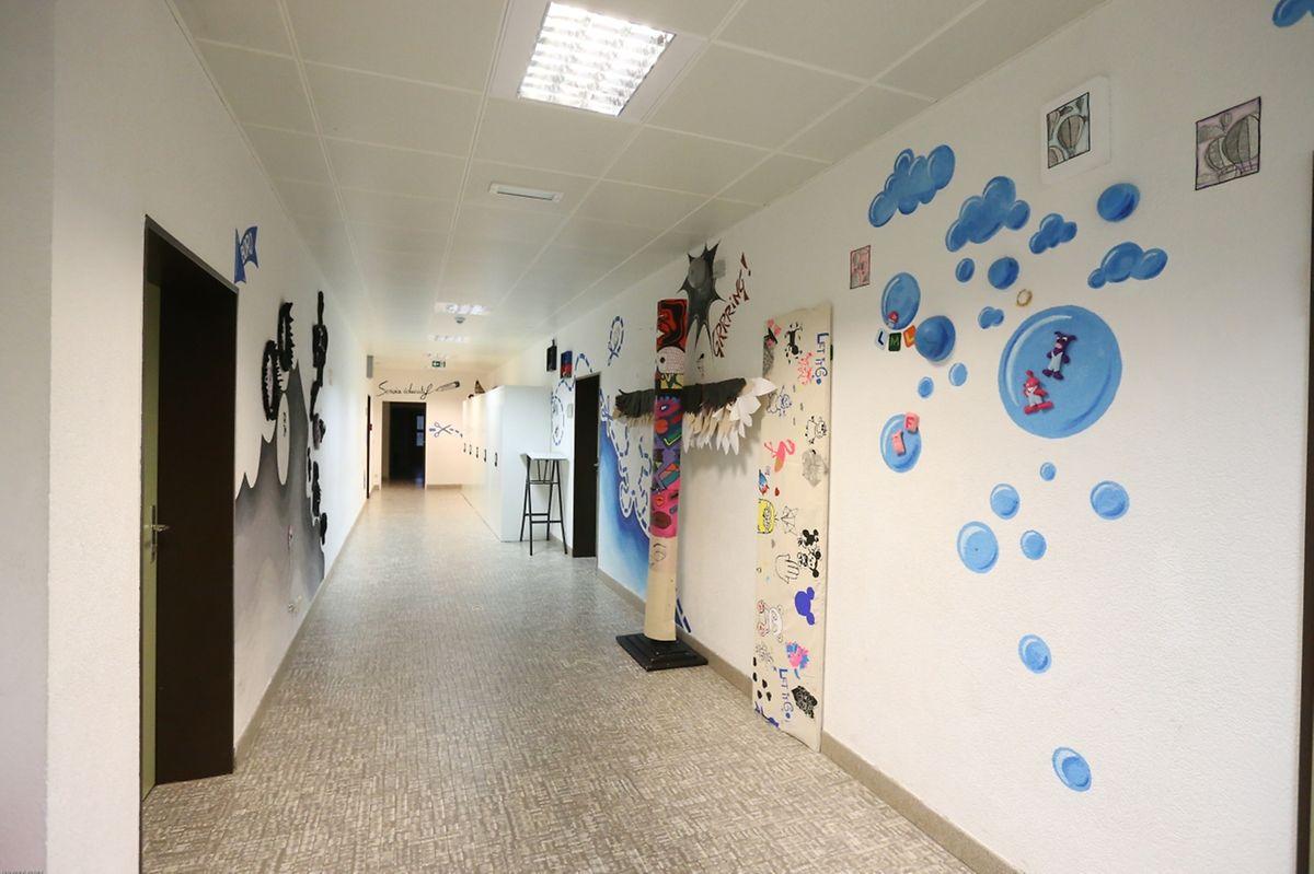 In dem geschlossenen Flügel befanden sich unter anderem die Säle für die Abteilungen Geisteswissenschaften, Kunst und Französisch.