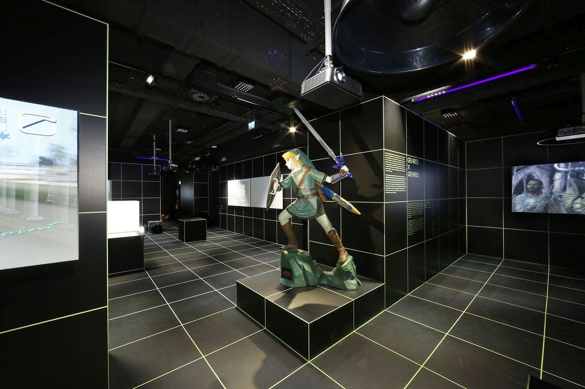 """Spieleheld Link aus Nintendos """"Zelda""""-Reihe steht in der Ausstellung """"Film und Games"""" im Deutschen Filmmuseum in Frankfurt am Main. Netflix entwickelt eine Serie zum Spiel, Kinofilmpläne liegen aber gerade auf Eis."""